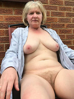 old mature naked women gallery