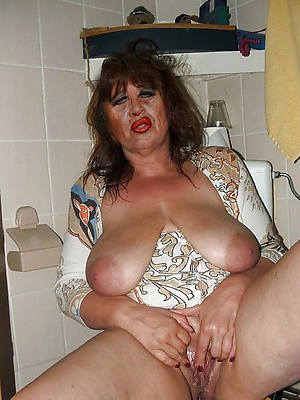 old mature naked column pics