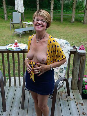 curvy nude ladies over 50 pics