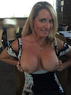 sweet nude mature tit pics