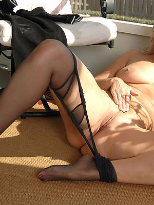 amateur mature gentry in nylons heavy pussies