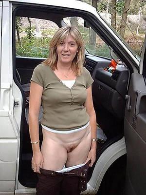mature ladies outdoors porn pics
