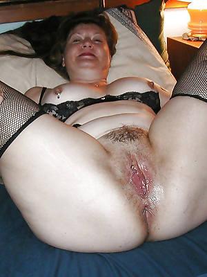 mature cunt nude pics