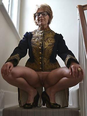 hot naked grandmas shows pussy