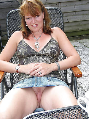 curvy hot mature women in jeans
