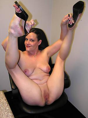 amateur mature in heels pics