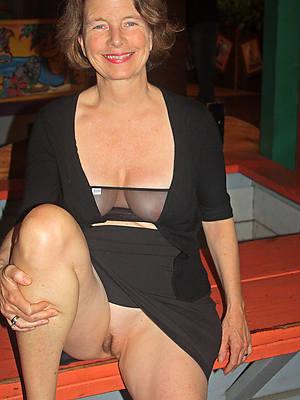 unclad pics of mature erotic lady