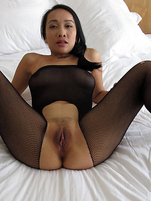 comely mature filipina pussy
