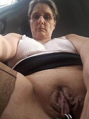 naked matured twat photos