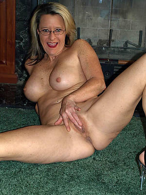 denude pics be useful to erotic horny matures