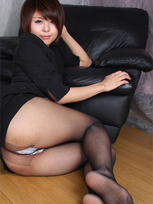 hairy mature in pantyhose porno pictures