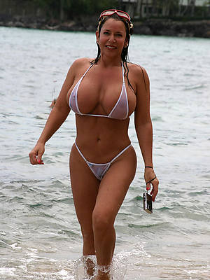 free mature amateur bikini