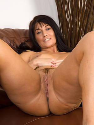 beautiful mature brunette nudes