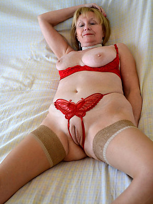 amateur of age pussy stripped