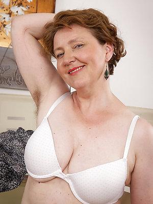 gorgeous redhead women porn