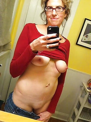super-sexy mama hot selfies images