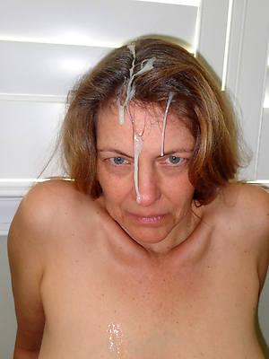 naked mature woman cumshot