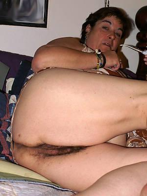 hairy mature asses porno pics