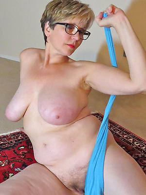 sexy naked matures with glasses free pics