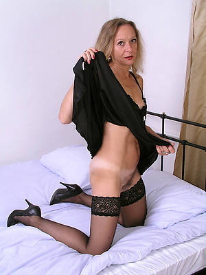 mature stockings sex pictures