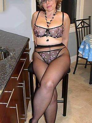 free amature mature woman lingerie