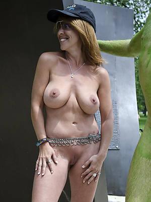 naked thick mature latinas