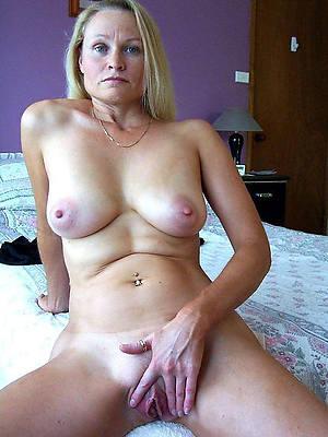 nude amateur matures quarters pics