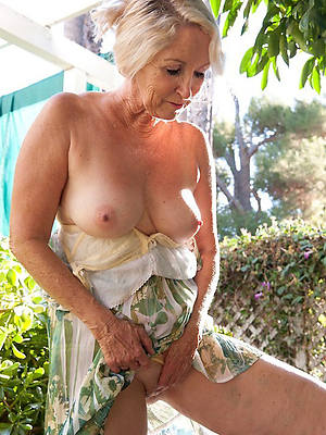 mature women over 60 amature full-grown home pics
