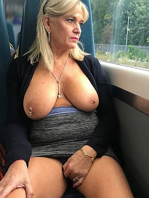 sexy mature tits porn pictures
