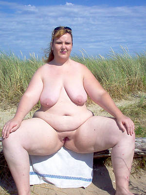 sweet nude chubby mature pussy
