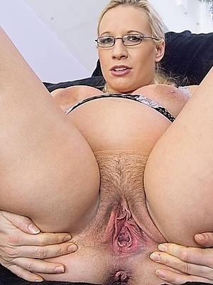 mature old cunt porno pictures