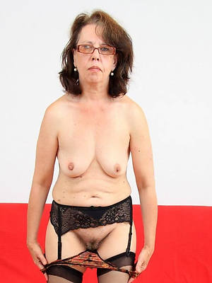 naked mature with glasses porno pictures