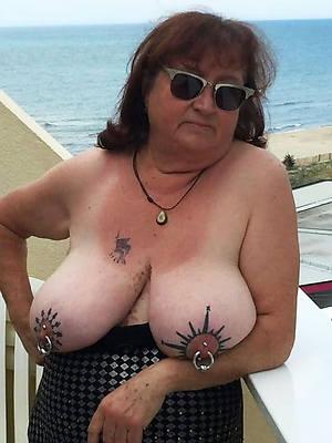 beautiful nude tattooed women