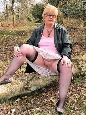 sexy women in default porn pix