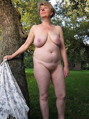 unorthodox porn pics of grown up alfresco nudes