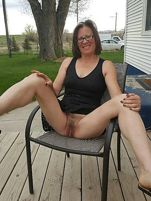 mature outdoor nudes