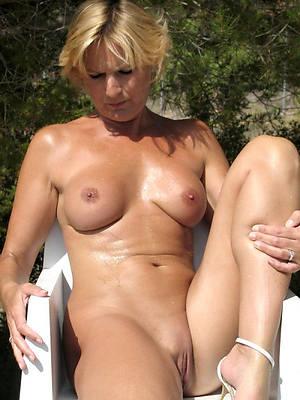 free amature mature nude moms