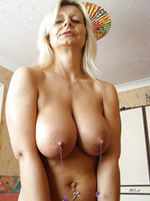 free porn pics of large mature tits