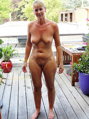 horny mature amateur photos