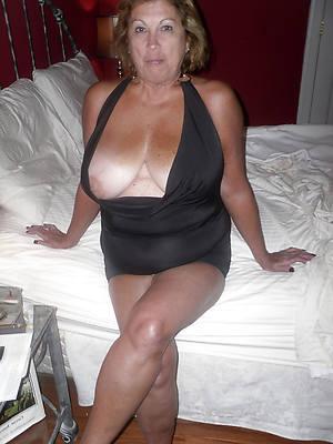 erotic mature babes