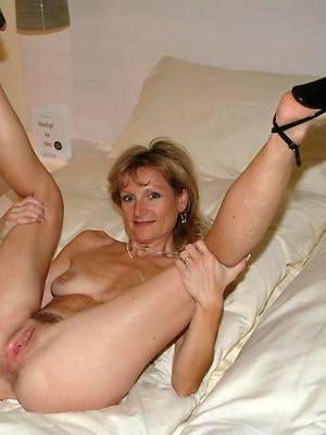 beautiful mature legs and heels nude pics
