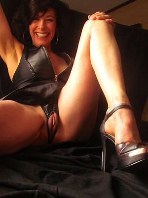 mature legs and heels pictures