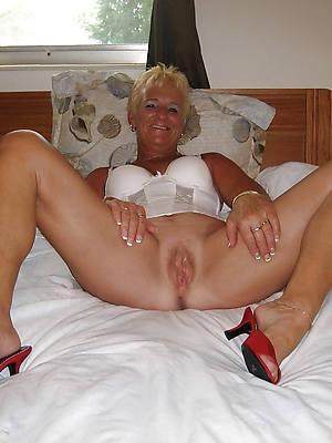 elegant sexy mature bald pussy pics