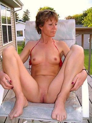superannuated small tits porno pics