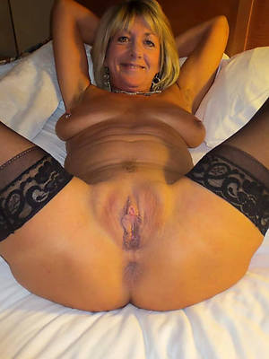 naked pics of old mature pussy