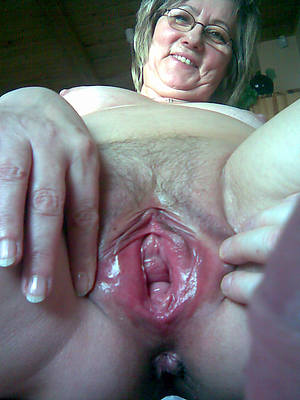 soaking mature close up pussy homemade pics