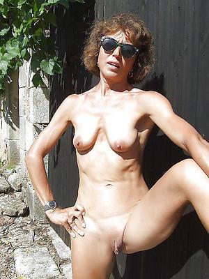 hotties  skinny mature gut pictures