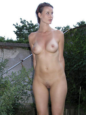 beautiful small tits of age galleries