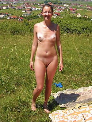 free pics of nude mature small tits