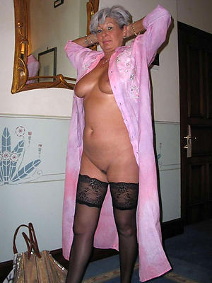 sexy pictures of mature women in stockings